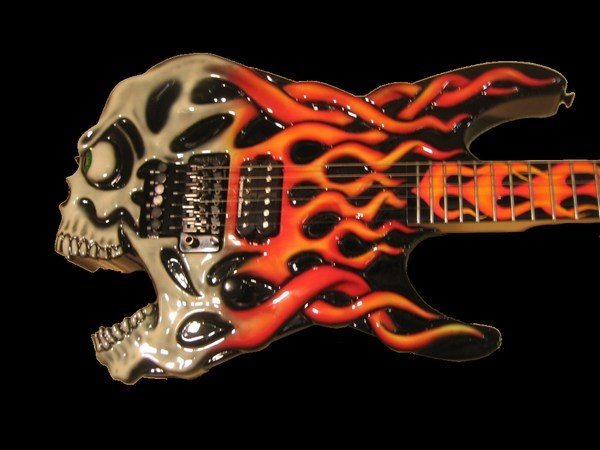 ESP-Screaming-Skull-Guitar-Jimmy-Diresta-1-Black.jpg (600x450 -- 46490 bytes)